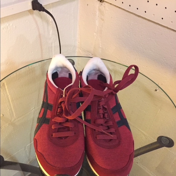 buy popular f7a79 f6444 Onitsuka tiger red sneakers size 5